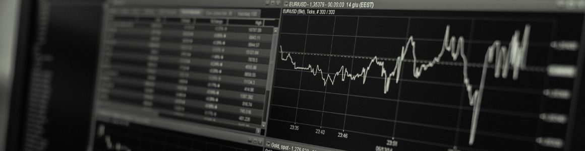 Monitor showing the markets status.